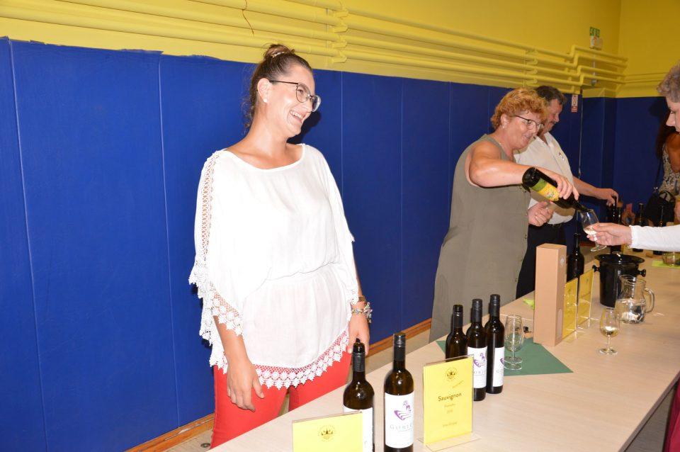 Vinarja: Gorjup in Arnečič